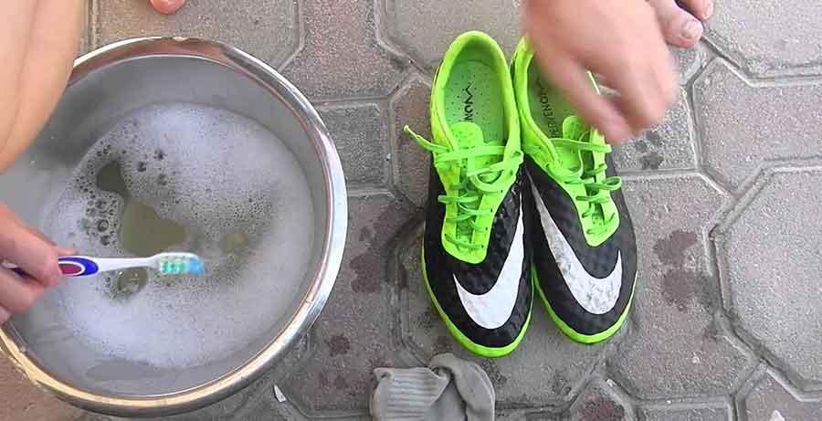 bảo quản giày bóng đá