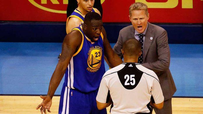 luật chạy bước trong bóng rổ