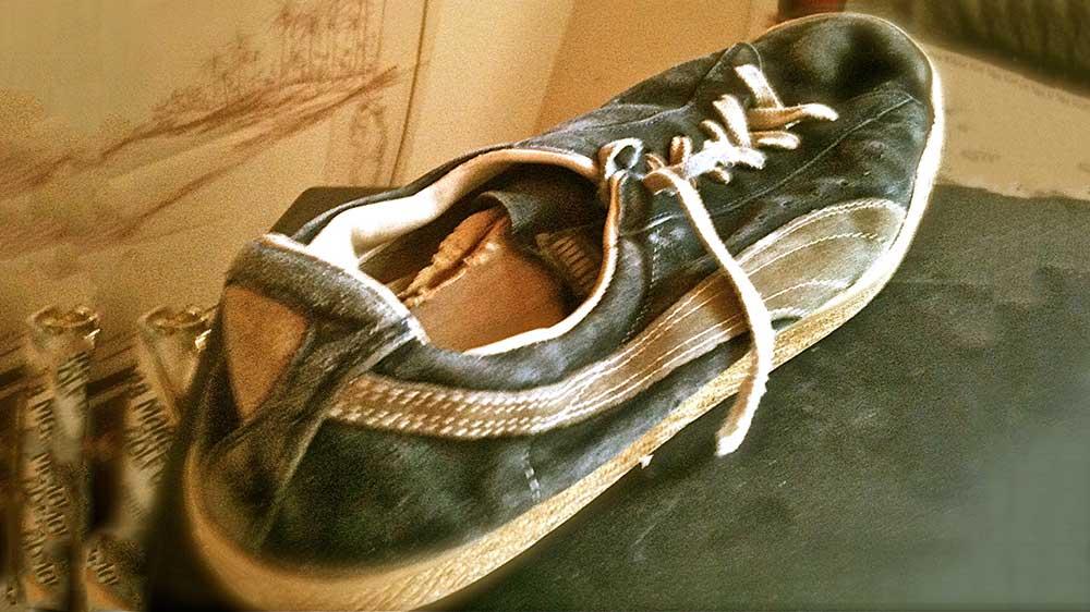 mua giày bóng đá cũ có thể làm được gì?