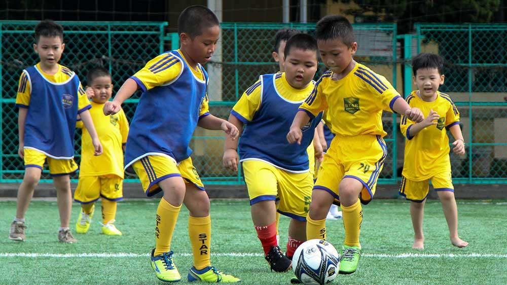 lợi ích của bóng đá với trẻ em