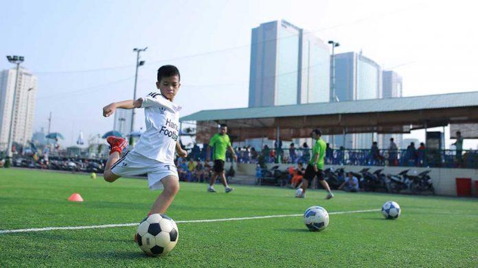 lợi ích khi cho trẻ chơi bóng